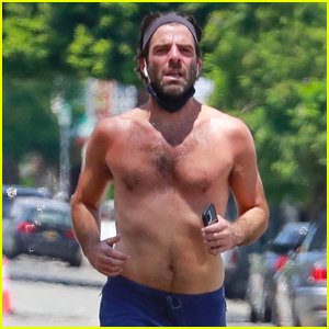 Zachary Quinto Goes Shirtless for a Run in L.A.