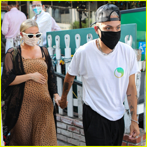 Pregnant Ashlee Simpson & Evan Ross Dine with Friends in Beverly Hills