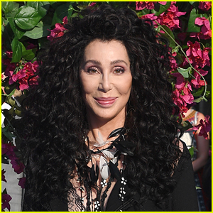 Cher Tried To Volunteer With The USPS & Was Turned Away!