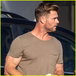 Chris Hemsworth Looks Ripped While Stepping Out in a Tight Tee