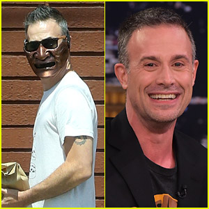 You've Gotta See the Face Mask That Freddie Prinze Jr. Has Been Wearing!