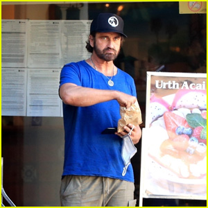 Gerard Butler Grabs a Snack at a West Hollywood Cafe
