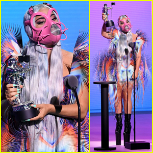 Lady Gaga Debuts Second Look Accepting Best Collab at MTV VMAs 2020!