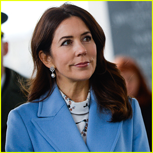 Denmark's Crown Princess Mary Apologizes For Not Wearing a Mask & Shaking Hands During The Pandemic
