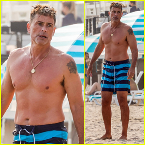 Rob Lowe Shows Off Fit Shirtless Figure at the Beach!