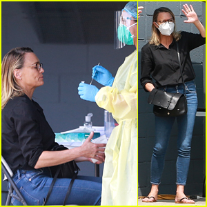 Robin Wright Gets a Coronavirus Test Before Entering a Studio