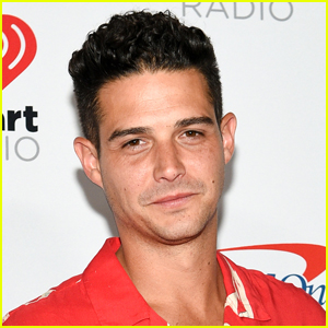 Wells Adams Is Bartending on the Set of 'The Bachelorette'!