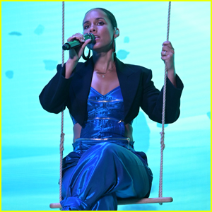Alicia Keys Performs in a Special Livestream Event After Releasing Album 'Alicia'!