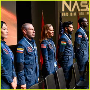 'Away' Showrunner Reveals Who Walked on Mars First After Lots of Confusion