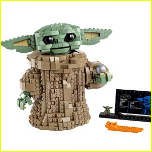 A Baby Yoda LEGO Set with Over 1,000 Pieces Is Coming Very Soon!