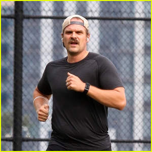 Newly Married David Harbour Gets in an Intense Workout in NYC