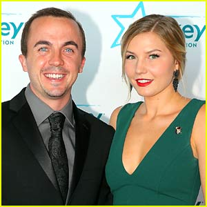 Frankie Muniz's Wife Paige Price Is Pregnant, Expecting First Child Together!