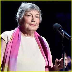Helen Reddy Dead - 'I Am Woman' Singer Dies at 78