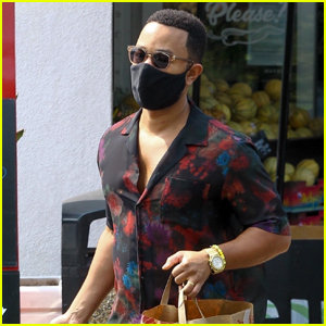 John Legend Goes Grocery Shopping While Pregnant Wife Chrissy Teigen Rests at Home
