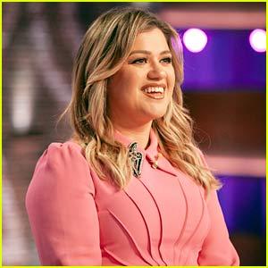 Kelly Clarkson Addresses Her Divorce During Her Talk Show's Season Premiere