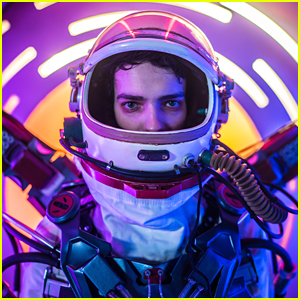 Kodi Smit-McPhee Goes To The Future To Save The Past in New Movie '2067' - Watch!