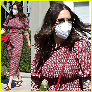 Pregnant Mandy Moore Covers Her Tiny Baby Bump With A Red Purse While Running Errands