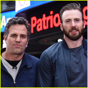 Mark Ruffalo Reacts to Chris Evans Accidentally Leaking NSFW Pic!