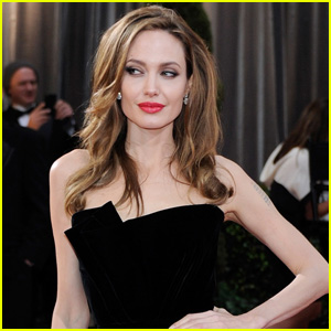 Angelina Jolie in Talks to Star in 'Every Note Played'