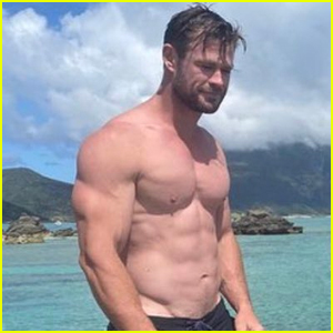 Chris Hemsworth Bares Ripped Abs on Vacation with Family & Friends!