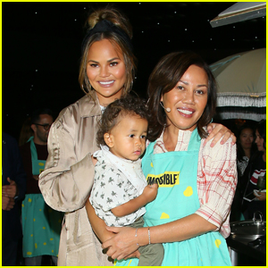 Chrissy Teigen's Mom Speaks Out After Her Daughter's Pregnancy Loss