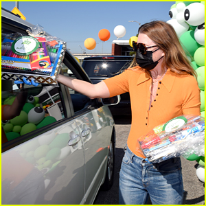 Ellen Pompeo Passes Out Candy & Essential Items To Families During Baby2Baby's Halloween Drive-Thru