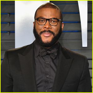 Tyler Perry's New Pic Has Fans Thirsting Over Him!