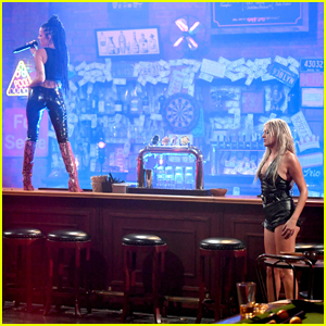 Halsey & Kelsea Ballerini Bring the Heat with 'The Other Girl' Performance at CMT Awards 2020 - Watch!