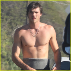 Jacob Elordi Bares His Abs After Surf Session in Malibu