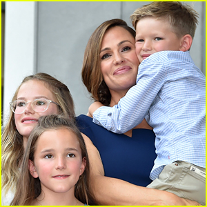 Jennifer Garner Reveals How Paparazzi Really Impacted Her & Her Children