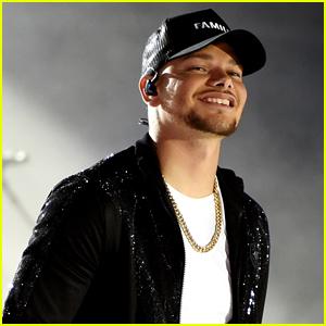 Kane Brown Performs 'Worship You' at CMT Awards 2020