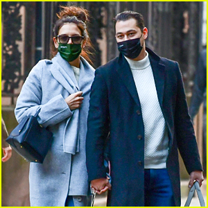 Katie Holmes & Emilio Vitolo Wear Matching Masks After Romantic Weekend Dinner Date