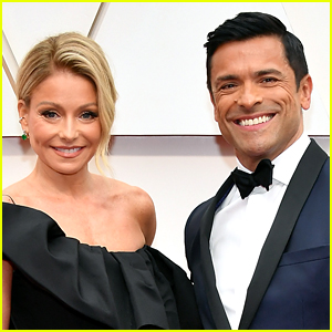 Kelly Ripa & Mark Consuelos Address His Bulge in This Photo After Lots of Comments Come In!