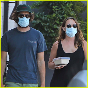Leighton Meester & Adam Brody Take Their Daughter Out To Lunch in LA
