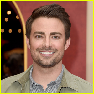 Jonathan Bennett Says the 'Mean Girls' Zoom Reunion Was 'Awkward'