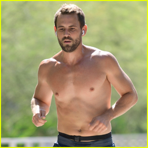 The Bachelor's Nick Viall Goes Shirtless for Run in Los Angeles!
