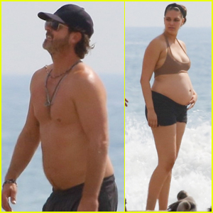 Robin Thicke Goes Shirtless at the Beach with Pregnant Fiancee April Love Geary!