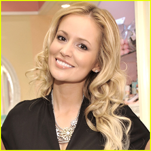 The Bachelorette's Emily Maynard Gives Birth to Baby No. 5!