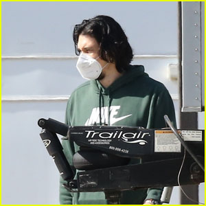 Adam Driver Returns to the Set to Do Retakes for Upcoming Sci-Fi Thriller '65'