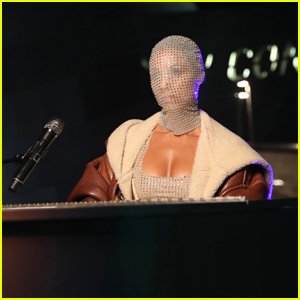 Alicia Keys Wears Bedazzled Face Covering for Performance of 'Love Looks Better' at MTV EMAs 2020 - Watch Now!