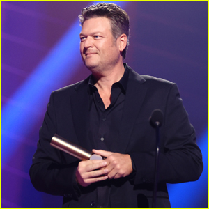 Blake Shelton Calls Fiancee Gwen Stefani His 'Inspiration' in Acceptance Speech at People's Choice Awards 2020 - Watch!