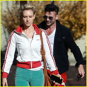 Kingdom's Frank Grillo Stocks Up at Trader Joe's with Girlfriend Nicky Whelan