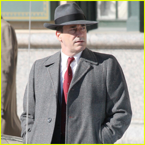 Jon Hamm Gets in Character Filming 'No Sudden Move' in Detroit