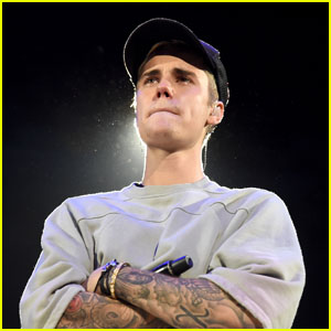 Justin Bieber Just Hit Back at a Selena Gomez Fan!