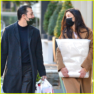 Katie Holmes's Boyfriend Emilio Vitolo Helps Her Bring Back Home Decor Items To Her Place