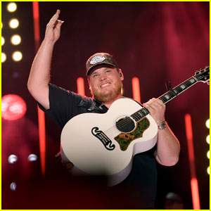 Luke Combs Returns to No. 1 With 'What You See Is What You Get' on Billboard 200