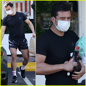 Orlando Bloom Shows Off His Toned Legs While Wearing Short Shorts To The Store