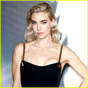 Vanessa Kirby Talks About Filming a 30-Minute Labor Scene for 'Pieces of a Woman'