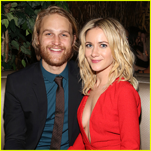 Wyatt Russell & Wife Meredith Hagner Expecting First Child Together!