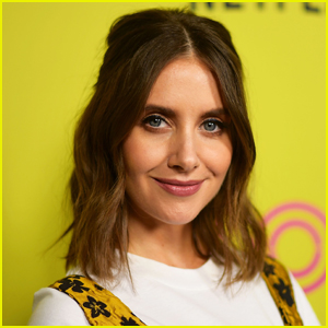 Alison Brie Recalls Hilarious 'Peeing Incident' While in Her 'Mad Men' Costume!